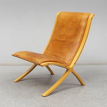 PETER HVIDT & ORLA MØLGAARD NIELSEN, an 'X-stolen' easy chair from Fritz Hansen, Denmark.