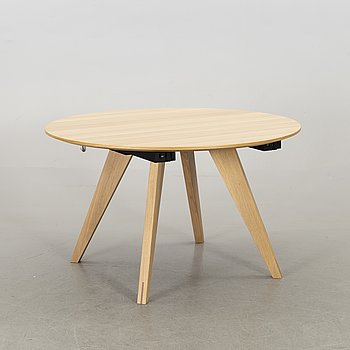 MICHAEL H NIELSEN, a New Mood dining table Bolia 21st century.