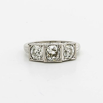 DIAMOND RING, 18K whitegold 3 old-cut diamonds 2,02 ct engraved, Lindahl & Co Jönköping 1950.
