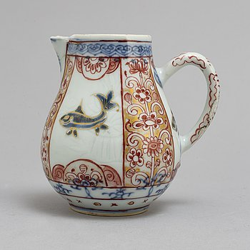 A imari porcelain pot, Qing dynasty, early 18th century.