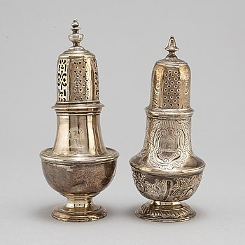 1+1 silver shakers, one by George Campar, London 1751.