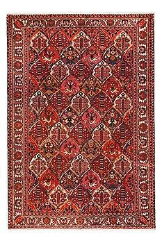 MATTA Bachtiari old ca 285 x 196 cm (277-99).