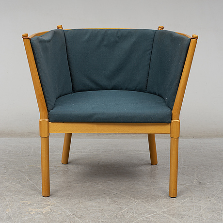 "A ""tremme"" sofa and armchair, designed by børge mogensen, fritz hansen, second half of the 20th century"