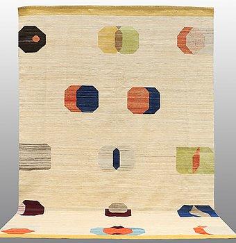 CARPET, flat weave, ca 288 x 231 cm.