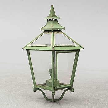 An early 20th century lantern.