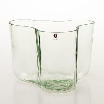 ALVAR AALTO, A 'Savoy' glass vase, numbered 1574/2002, marked Alvar Aalto Iittala. Manufactured in 2002.