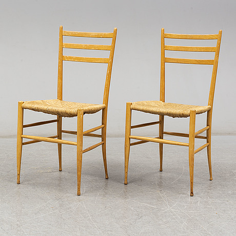 A pair of 1940's-/50's chairs.