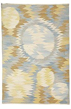 "199. Barbro Nilsson, A CARPET, ""Solfläckar"", flat weave, ca 308,5 x 206 cm, signed AB MMF BN."