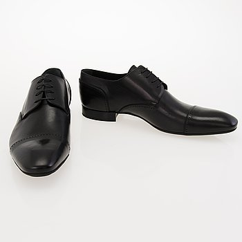 LOUIS VUITTON Black Leather Business Shoes in size 12.