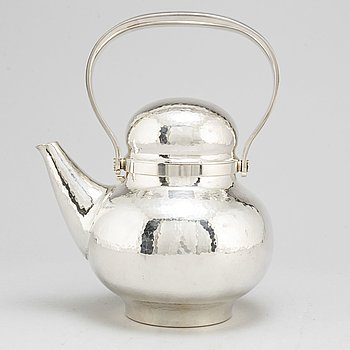 An Eric Löfman sterling teapot, executed by MGAB Uppsala 1978, numbered 1/10.