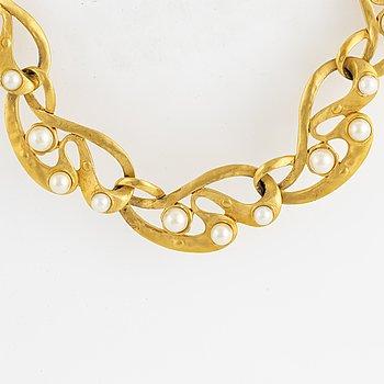 OSCAR DE LA RENTA, necklace.