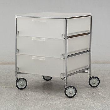 """ANTONIO CITTERIO & OLIVER LÖW, a 'Mobil"""" container for Kartell."""