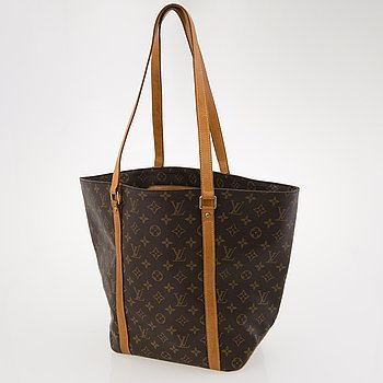 LOUIS VUITTON Monogram Sac Shopping Bag.