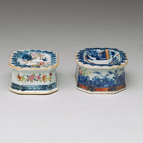 A set of two famille rose salts, qing dynasty, qianlong (1736-95).