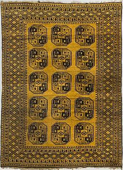 MATTA, old, afghan. Sk. guldafghan. Ca 280x202 cm.