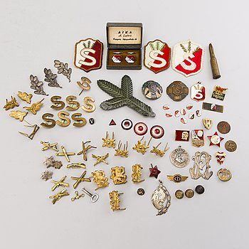 PINS AND BADGES, Finnish first half of the 20th century and Sovjet Union late 20th century.