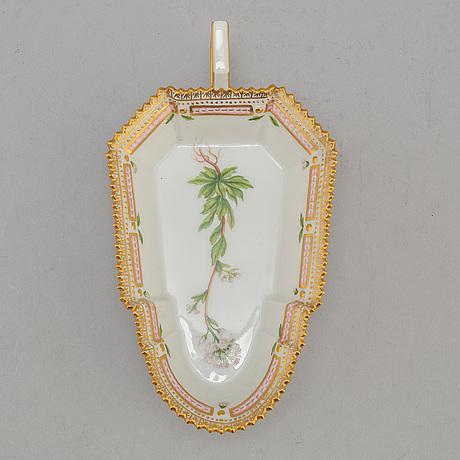 A royal copenhagen ´flora danica´ porcelain pickle dish, denmark