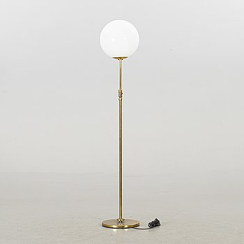 A 1930'S ART DECO FLOOR LAMP.