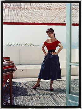 KARY LASCH, färgfotografi föreställande Brigitte Bardot i Cannes.