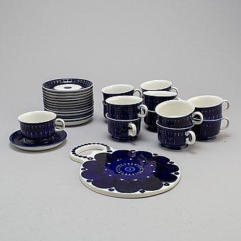 A 14-piece 'Valencia' porcelain coffee set for Arabia, 1970s.