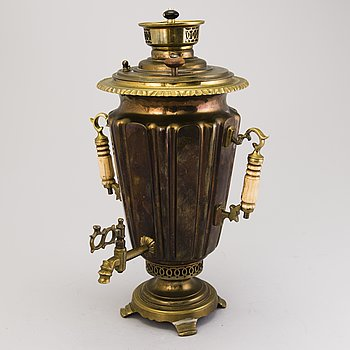 A Russian brass and copper samovar, around 1900.