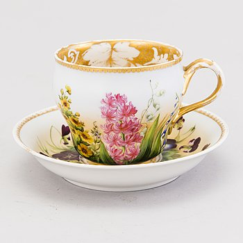 A large, Kornilov porcelain cup with saucer, Russia 1861-1884.