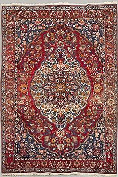 A semiantique Bachtiari carpet ca 321 x 210 cm.