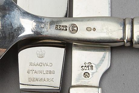 Bestick ca 127 dlr, silver svenska importstämplar 1900 talets första hälft