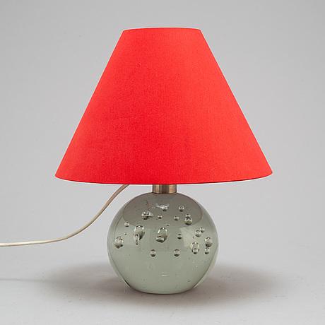 Josef frank, bordslampa, modell 1819, tillverkad av reijmyre för firma svenskt tenn, modellen formgiven 1934