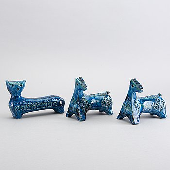 Three pottery Raymor Bitossi, Aldo Londi Rimini Blue figurines.