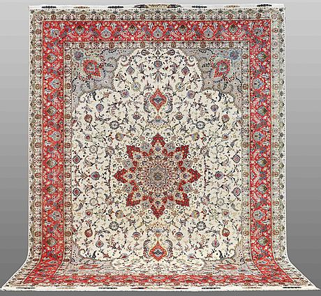 A carpet, täbriz part silk,  s.k 50 radj, signed, ca 395 x 295 cm