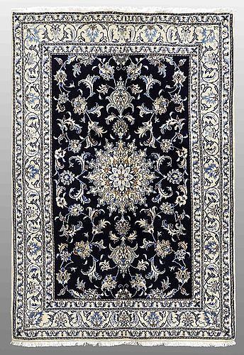 Matta, nain part silk, ca 216 x 144 cm