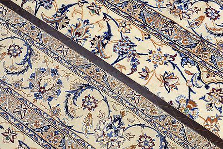 Matta, nain part silk, ca 359 x 257 cm