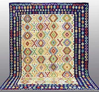 A Kilim carpet, ca 353 x 260 cm.