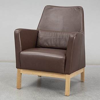 CARL-HENRIK SPAK, a leather covered 'Epoka' easy chair from Ire Möbel.