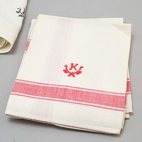 30 (12+12+6) linen towels, 20th century.