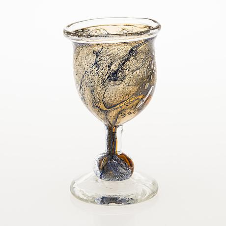 Heikki orvola, goblet, glass, signed heikki orvola nuutajärvi notsjö. 1970's