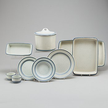 STIG LINDBERG, a part 'Dart' coffee and dinner stoneware service, from Gustavsberg, 1970/80s (34 pieces).
