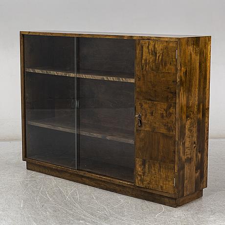 A 1940s shelf