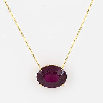 Oval faceted rhodolite garnet  necklace.