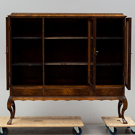 A first half of the 20th century display cabinet