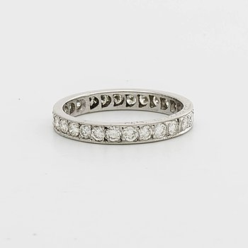 FULL ETERNITY BAND, 18K vitguld w 27 brilliant-cut diamonds approx 1 ct in total, Roland Lantz Stockholm.