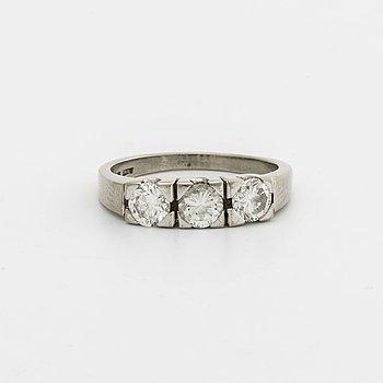 DIAMOND RING 18K whitegold 3 brilliant-cut diamonds 1,22 ct in total engraved, Roland Lantz Stockholm.