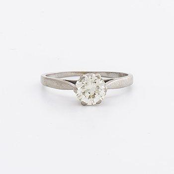 DIAMOND RING 18K vitguld m 1 brilliant-cut diamond 1,04 ct engraved approx L-M VS.