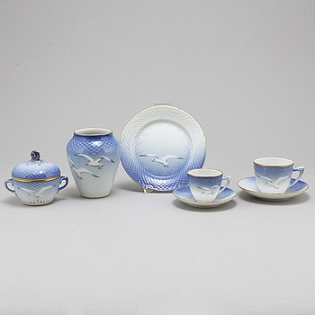 ROYAL COPENHAGEN, and BING & GRÖNDAL, a part 'Blå Måsen' coffee porcelain service, Denmark (20 pieces).