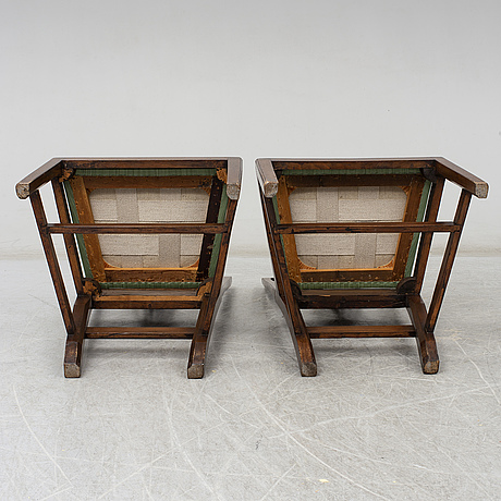 A pair of english chairs, beginning of the 20th century.