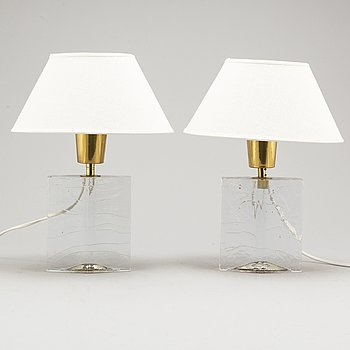 A pair of glass table lights, second half of the 20th Century.