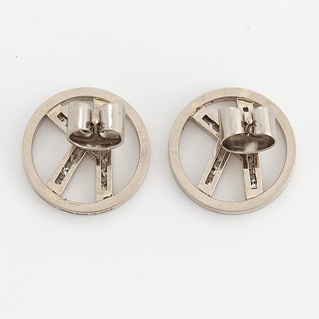 A pair of rey urban 18k white gold earrings