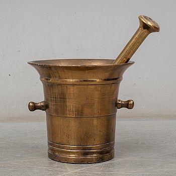 APOTEKSMORTEL MED STÖT, malm, 1800-tal.