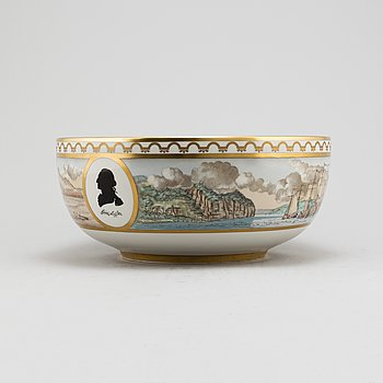 A Royal Copenhagen punch bowl in comemoration of the American Revolution 1776-1976.